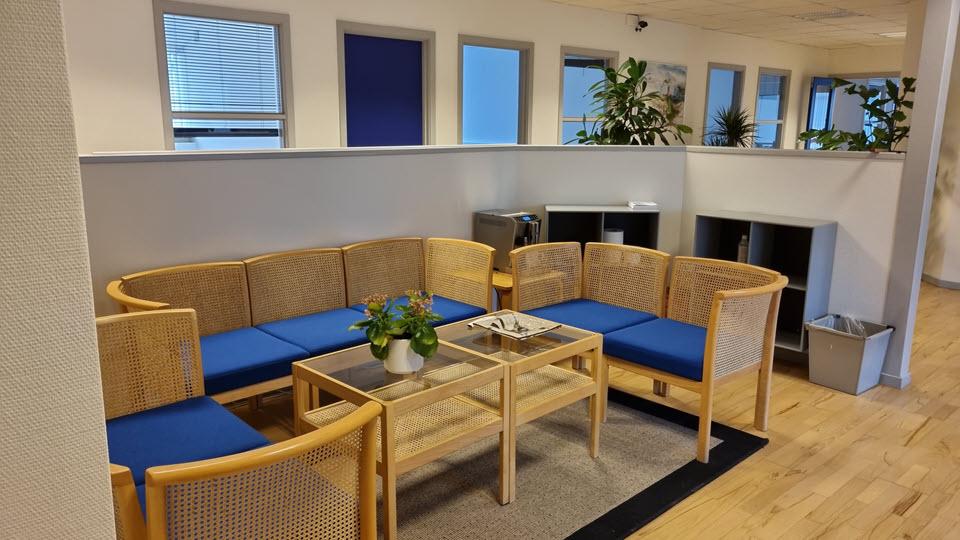 Indgang og reception hos Hasselager Office Space